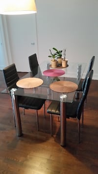 Dining set - table + 6 black chairs