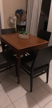Dining set with 4 chairs Toronto, M8Y 2R8