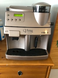 Saeco Vienna Digital fully automatic espresso machine coffee maker Toronto, M4K 2G2
