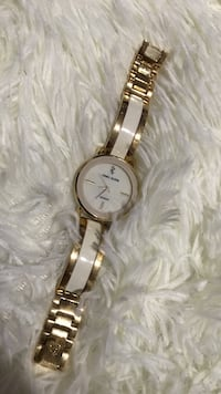round gold analog watch with gold link bracelet Kalamazoo, 49009