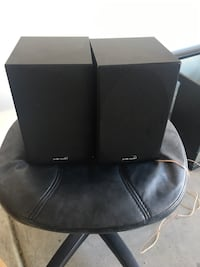Polk R10 book shelf speakers
