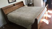 King sized wooden bed frame Cambridge, N1S 3A2