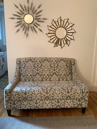 Loveseat New York, 10021