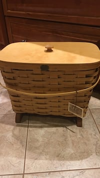 Brown wooden basket collectible Potomac, 20854