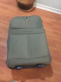 Luggage in good condition 29x18x12 two wheels Toronto, M1S