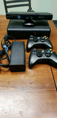 black Xbox 360 console and kinect and controllers Markham, L6C