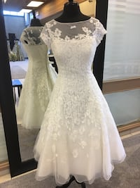 WOMENS IVORY WEDDING DRESS  Abbotsford, V2S 2L8