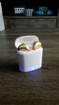 Wireless earbuds , work perfectly, brand new just out of box to show