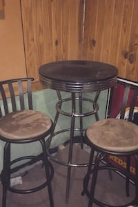 Pub table and 2 chairs  Riverdale, 20737