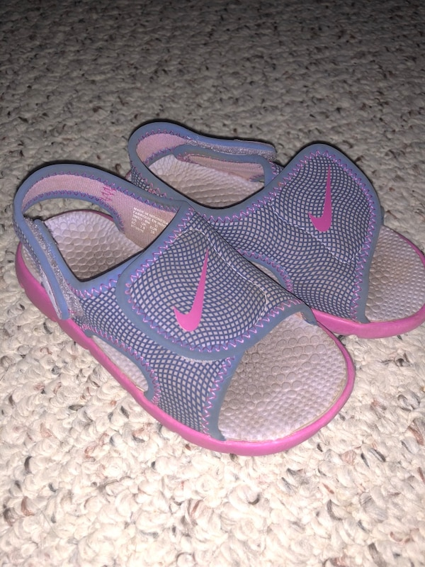 adcc6e816702 Used Toddler Nike Sandals Size 8 for sale in Villa Rica - letgo