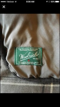 Woolrich brand King comforter set with 2 pillow shams. Very nice quality, excellent condition smoke free home Wenatchee, 98801