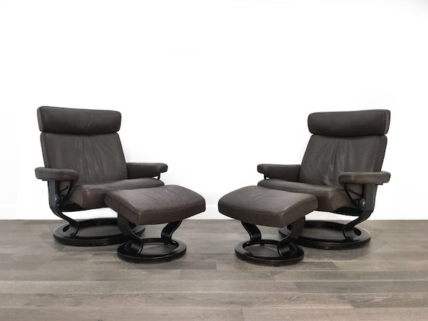 Awesome Ekornes Stressless Norway Pair Of Large Taurus Recliners Ottomans Machost Co Dining Chair Design Ideas Machostcouk