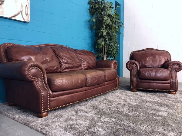 ***Ashley Furniture 2PC Genuine Leather Sofa and Chair Set (Free Delivery)
