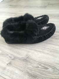 pair of black fur slide sandals Toronto, M2N 7K2