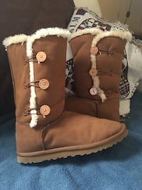 Ugg boots  Dudley, 28333