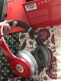 Red beats by dre Toronto, M1L 1S7