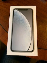 Must go asap   white iphone xr 64g Calgary
