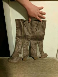 Negotiable boots