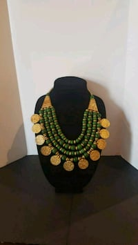 BEAUTIFUL AND EXCLUSIVE GREEN AND GOLD NECKLACE  Brampton, L6R 0W2