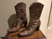 Women's Naturalizer Brown Leather Boots size 7.  In good condition.  Asking $35.00 or Best Offer. Pharr, 78577