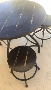 table and 3 chairs Indio, 92201