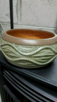 brown and white ceramic bowl Point Pleasant, 08742