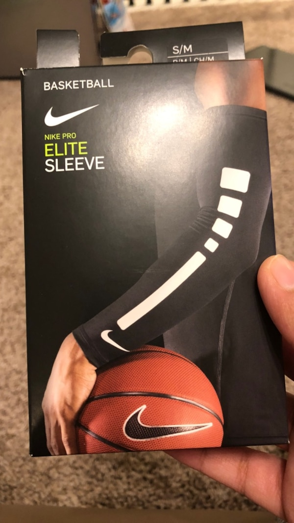 0c4723aaa20 Basket Ball Nike Pro Elite Sleeve