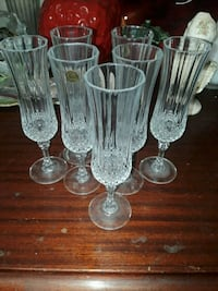 7 Crystal Champagne Glasses