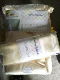 Tablecloth yellow will flowers and butterflies napkin holders