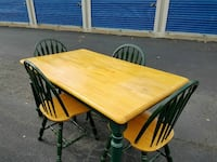 Kitchen table with four chairs like new Richmond, 23231
