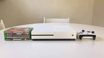 Brand new Xbox 1 with 5 games