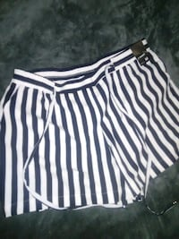 New York & Co dress shorts 38 km