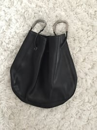 Gucci Leather Bag Never used. Excellent condition Fort Lee, 07024