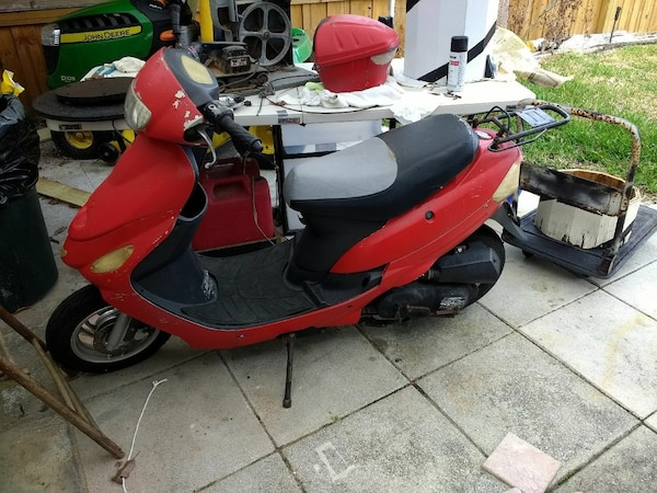 Motor Scooter DAIX 2012 49cc