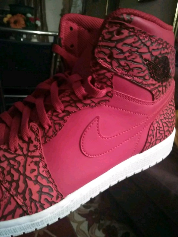 2c09d0a2775568 Used pair of red Nike Air Force 1 high shoes for sale in Brooklyn - letgo