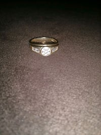 silver-colored diamond ring Dallas, 97338