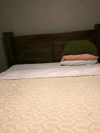 Brand new king size bed  Conroe, 77384