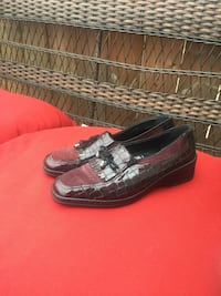 Pair of black leather loafers Oakville, L6M 0Y6