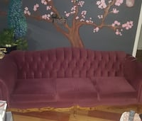 Antique looking couch, very good condition $40