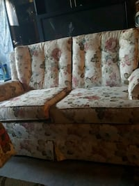 white and red floral fabric sofa Ottawa, K4A 4W2