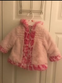 Pistachio girls winter coat. size 12m in excellent condition (pick up only) Alexandria, 22310