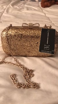 Gold INC Clutch with crossbody chain New York, 10001