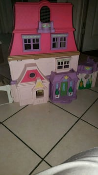 My loving family doll house w/some accessories Los Angeles, 90003