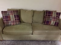 3 pc couch set includes couch, love seat and chair. Throw cushions included. Asphodel-Norwood, K0L 2V0