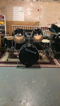 Black ludwig drum set, price is firm Toronto, M1W 2M9