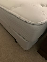 Queen bed set Bakersfield, 93305