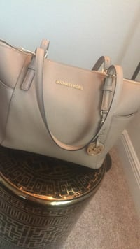 Michael Kors Purse Boca Raton, 33487