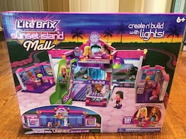 Cra Z art Lite Brix Sunset Island Mall Set
