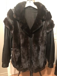black and gray fur coat Laval, H7T