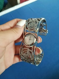 round silver-colored analog watch with link bracel Abbotsford, V2T 4N3